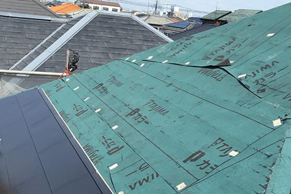 屋根カバー工法とは?
