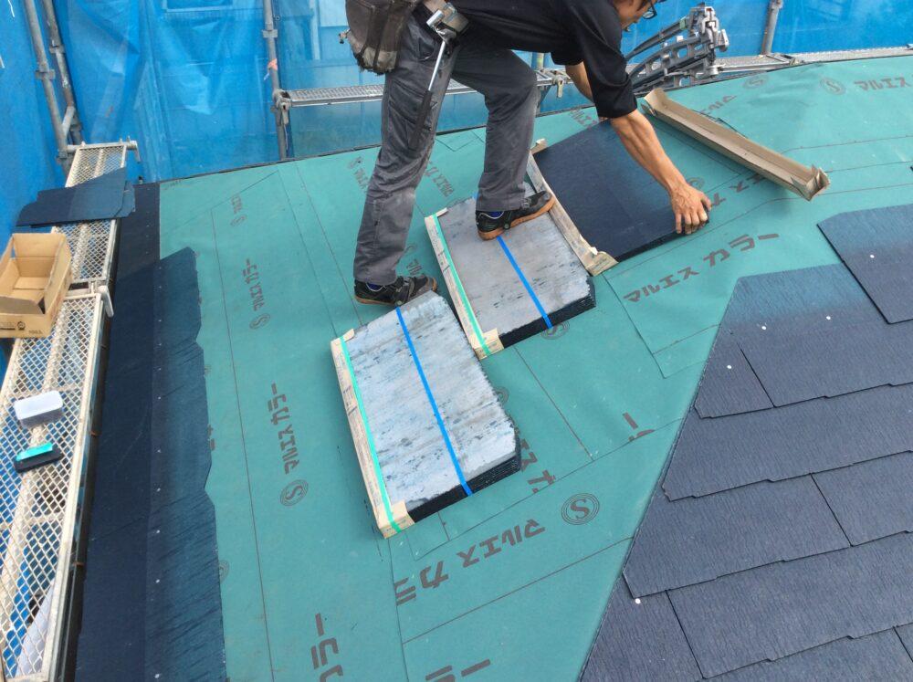 屋根塗装では補修できない場合