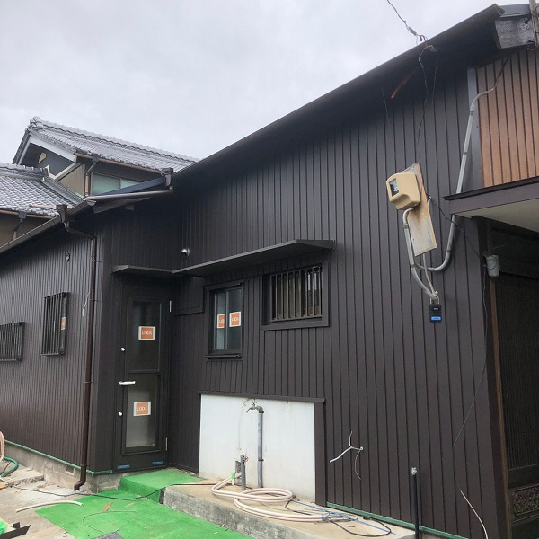 三重県伊勢市小俣 O様邸 屋根葺き替え工事 外壁重ね張り工事(カバー工法) (1)